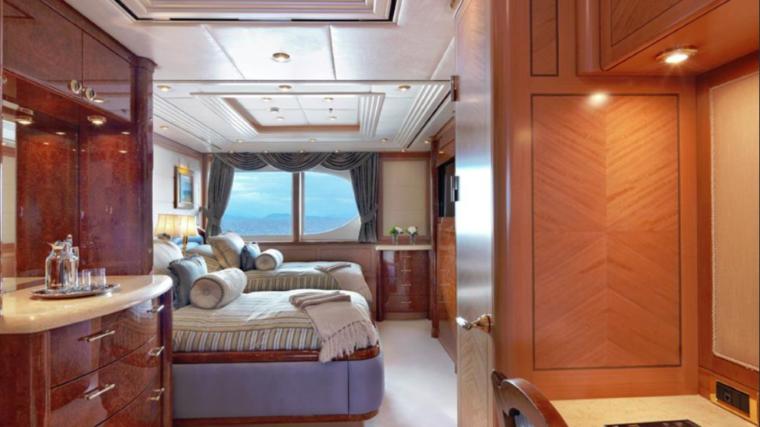 CAPRI-Valef-Yachts-mega-yacht-18
