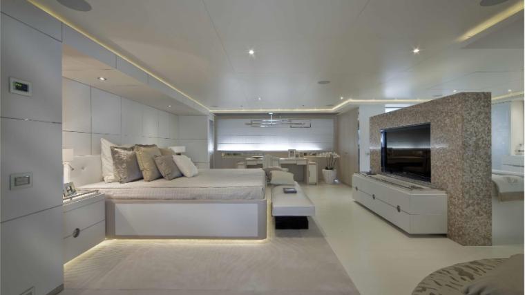 Light-Holic-Valef-Yachts-15