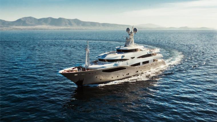 Light-Holic-Valef-Yachts