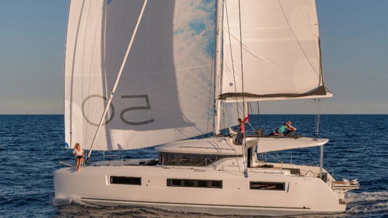 Screenshot_2018-12-19-Lagoon-Catamaran-vente,-location,-construction-de-catamaran-et-de-bateau-de-luxe---50(1)