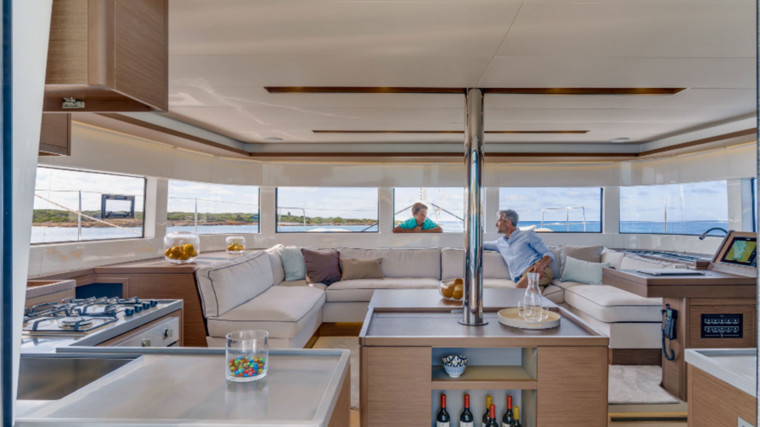 Screenshot_2018-12-19-Lagoon-Catamaran-vente,-location,-construction-de-catamaran-et-de-bateau-de-luxe---50(10)