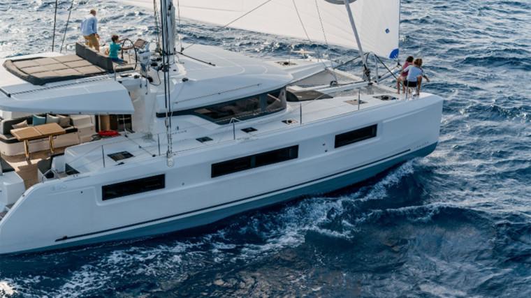 Screenshot_2018-12-19-Lagoon-Catamaran-vente,-location,-construction-de-catamaran-et-de-bateau-de-luxe---50(12)