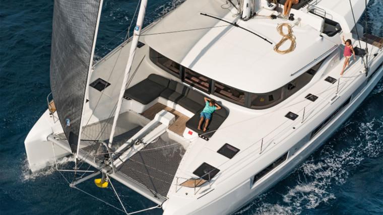 Screenshot_2018-12-19-Lagoon-Catamaran-vente,-location,-construction-de-catamaran-et-de-bateau-de-luxe---50(7)