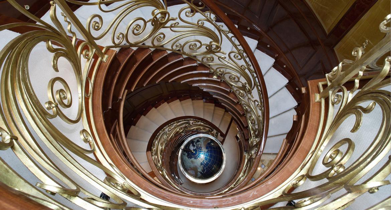 Xanadu-Superyacht-Staircase