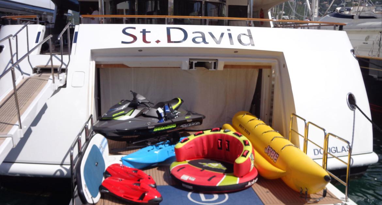 Yacht-St-David---Toys
