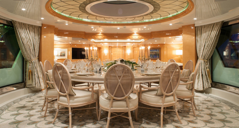 Yacht-St-David---Upper-Deck-Dining
